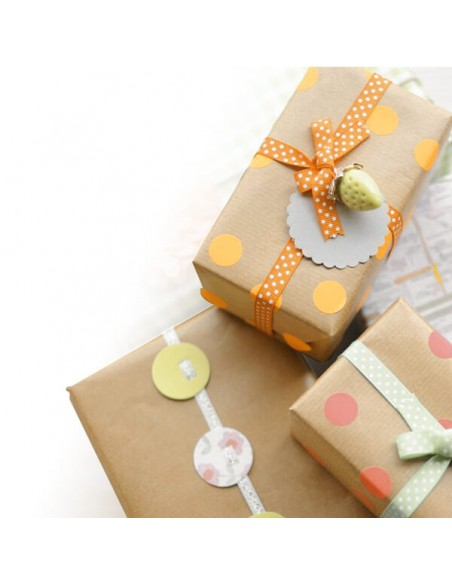 Photo frames and picture holders